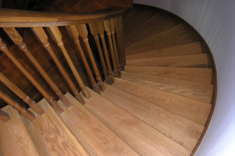 Лестницы на второй этаж частного дома 200+ фото - Лестницы
