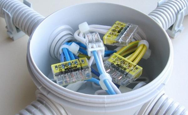 Распределительная коробка – конструкция и виды коробок для соединения проводов. 105 фото идей применения