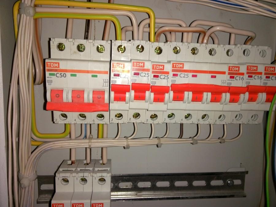 для подключение провода в щиток фото дизайн прихожей получится