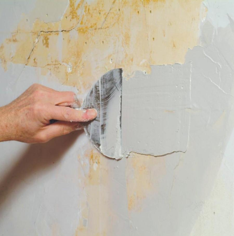 как замазать дырки в стене шпаклевкой
