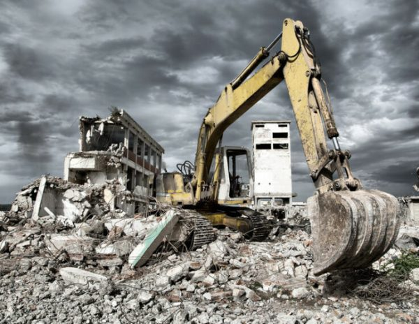 Снос или реконструкция: строим новый дом.