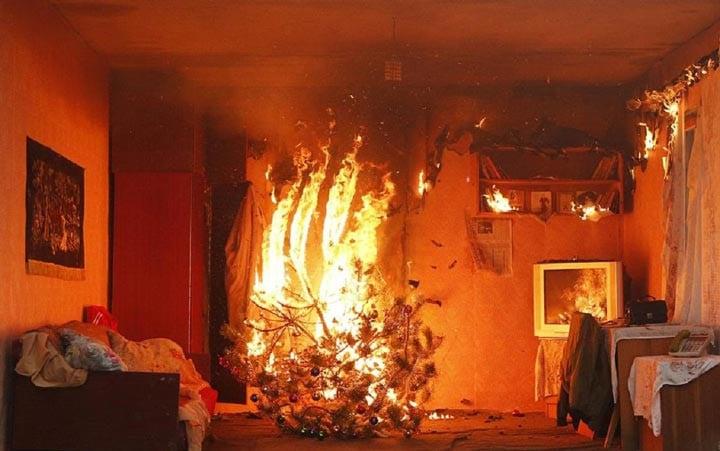 Пожар от гирлянды
