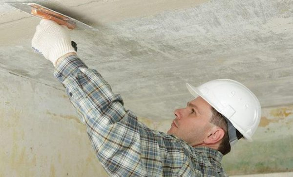 Какая шпаклевка для потолка лучшая по бетону