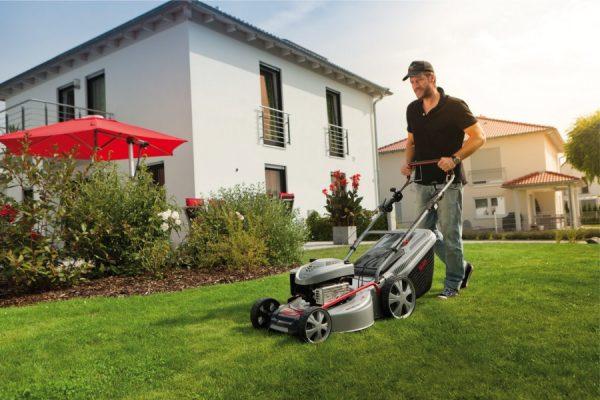 Характеристики, особенности, преимущества и критерии выбора газонокосилок